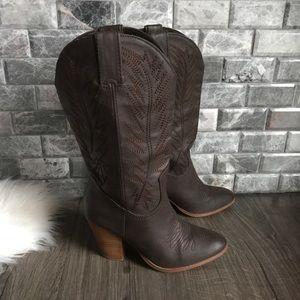 Miranda Lambert brown county boots 7.5